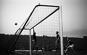 05/05/1965<br /> 05/05/1965<br /> 05 May 1965<br /> Ireland v Spain, World Cup Qualifier at Dalymount Park, Dublin. Spanish keeper Jose Iribar tips the ball over the bar. Ireland won the game 1-0.