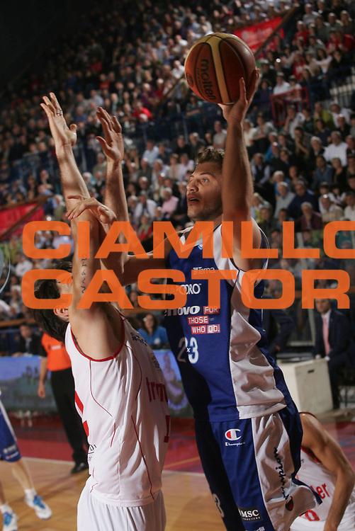 DESCRIZIONE : Reggio Emilia Lega A 2012-13 Trenkwalder Reggio Emilia Lenovo Cantu<br /> GIOCATORE : Stefano Mancinelli<br /> CATEGORIA : tiro<br /> SQUADRA : Lenovo Cantu<br /> EVENTO : Campionato Lega A 2012-2013 <br /> GARA : Trenkwalder Reggio Emilia Lenovo Cantu<br /> DATA : 23/04/2013<br /> SPORT : Pallacanestro <br /> AUTORE : Agenzia Ciamillo-Castoria/P. Boccaccini<br /> Galleria : Lega Basket A 2012-2013  <br /> Fotonotizia : Reggio Emilia Lega A 2012-13 Trenkwalder Reggio Emilia Lenovo Cantu