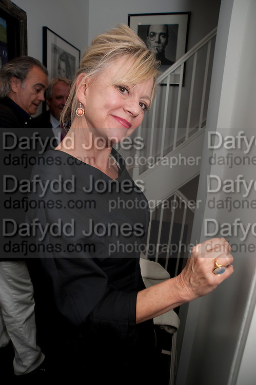 KAY SAATCHI, Party at the home of Amanda Eliasch in Chelsea after the opening of As I Like it. A memory by Amanda Eliasch and Lyall Watson. Chelsea Theatre. Worl's End. London. 4 July 2010<br /> <br />  , -DO NOT ARCHIVE-© Copyright Photograph by Dafydd Jones. 248 Clapham Rd. London SW9 0PZ. Tel 0207 820 0771. www.dafjones.com.