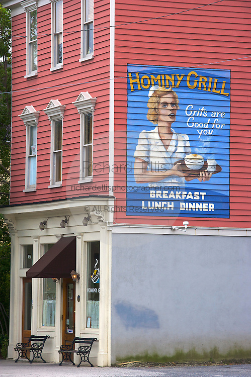 Hominy Grill restaurant in Charleston, SC. Charleston founded in 1670 is considered America's most beautifully preserved architectural and historic city.