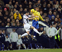 Photo: Rich Eaton.<br /> <br /> West Bromwich Albion v Preston North End. Coca Cola Championship. 26/12/2006. Paul Robinson left of West Brom and Prestons Simon Whaley jump for the ball