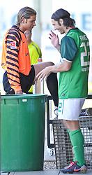02.08.2010, Thermenstadion, Bad Waltersdorf, AUT, Trainingslager Werder Bremen 1. FBL 2010 - Day05 im Bild     Keeper Tim Wiese ( Werder #01) und die Muelltonne, mit Torsten Frings ( Werder #22 ) EXPA Pictures © 2010, PhotoCredit: EXPA/ nph/  Kokenge+++++ ATTENTION - OUT OF GER +++++ / SPORTIDA PHOTO AGENCY