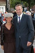 Zijne Hoogheid Prins Floris van Oranje Nassau, van Vollenhoven en mevrouw mr. A.L.A.M. S&ouml;hngen zijn zaterdag 22 oktober in de kerk van Naarden in het  huwelijk getreden. De prins is de jongste zoon van Prinses Magriet en Pieter van Vollenhoven.<br /> <br /> Church Wedding Prince Floris and Aim&eacute;e S&ouml;hngen. <br /> <br /> Church Wedding Prince Floris and Aim&eacute;e S&ouml;hngen in Naarden. The Prince is the youngest son of Princess Margriet, Queen Beatrix's sister, and Pieter van Vollenhoven. <br /> <br /> Op de foto / On the photo;