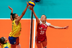 29-05-2019 NED: Volleyball Nations League Poland - Brazil, Apeldoorn<br /> Tainara Lemes Santos #11 of Brazil, Marlena Plesnierowicz #20 of Poland