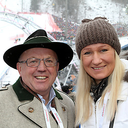 09.02.2013, Planai, Schladming, AUT, FIS Weltmeisterschaften Ski Alpin, Abfahrt,  Herren, im Bild David Zwilling und Renate Goetschl // David Zwilling and Renate Goetschl during mens Downhill at the FIS Ski World Championships 2013 at the Planai Course, Schladming, Austria on 2013/02/09. EXPA Pictures © 2013, PhotoCredit: EXPA/ Martin Huber