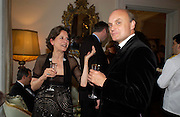 The hon Olga Polizzi and Nicholas Coleridge. An Evening in honour of Salvatore Ferragamo hosted by the Ambassador of Italy. The Italian Embassy, 4 Grosvenor Square. London W1. 8 June 2005. ONE TIME USE ONLY - DO NOT ARCHIVE  © Copyright Photograph by Dafydd Jones 66 Stockwell Park Rd. London SW9 0DA Tel 020 7733 0108 www.dafjones.com