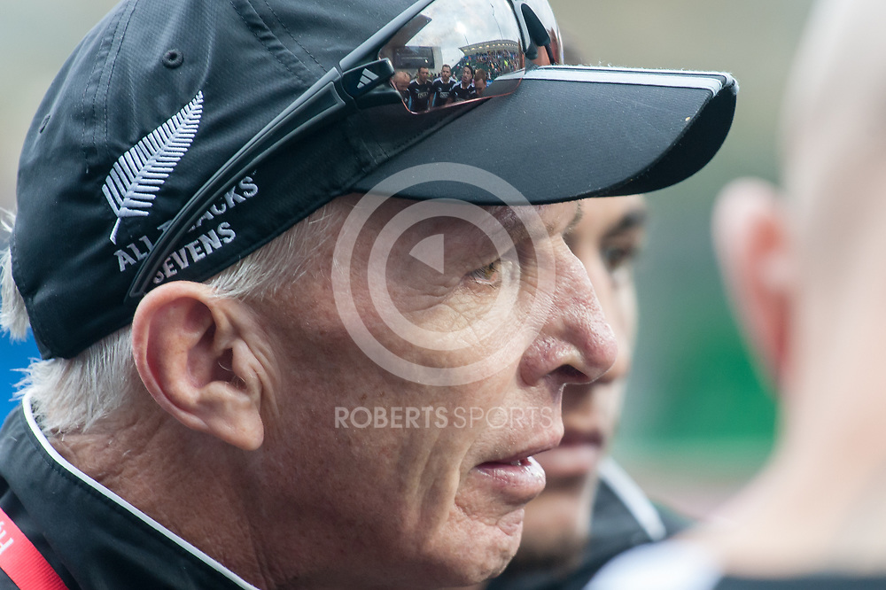 Gordon Tietjens speaks to his New Zealand players after their pool victory over South Africa. Action from the IRB Emirates Airline Glasgow 7s at Scotstoun in Glasgow. 3 May 2014. (c) Paul J Roberts / Sportpix.org.uk