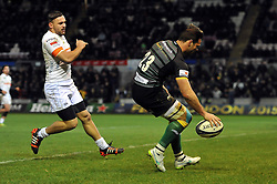 Ben Foden of Northampton Saints scores a try in the second half - Photo mandatory by-line: Patrick Khachfe/JMP - Mobile: 07966 386802 13/12/2014 - SPORT - RUGBY UNION - Northampton - Franklin's Gardens - Northampton Saints v Treviso - European Rugby Champions Cup