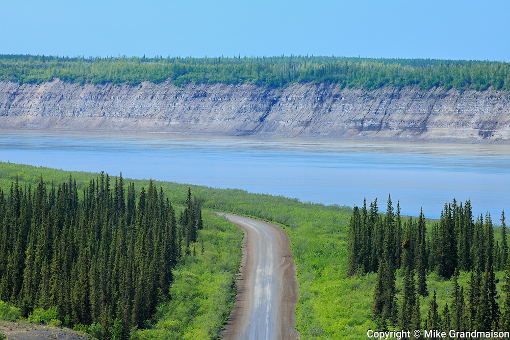 The Dempster Highway and the Arctic Red River (Mackenzie River). About 100 Kms south of Inuvik<br /> Dempster Highway<br /> Northwest Territories<br /> Canada