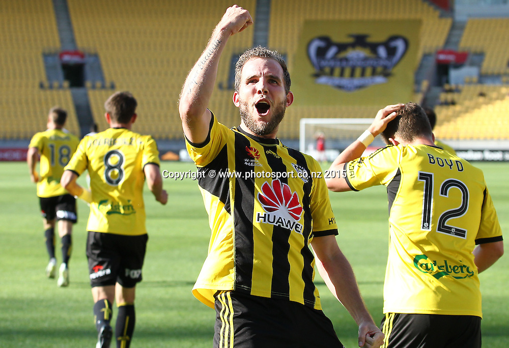 Phoenix' Jeremy Brockie salutes the crowd after scoring his 2nd goal during the A-League football match between the Wellington Phoenix & Brisbane Roar at Westpac Stadium, Wellington. 4th January 2015. Photo.: Grant Down / www.photosport.co.nz
