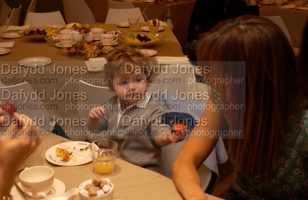 Launch of 'Lucy  Sykes Baby, New York' Selfridges. 14 April 2005. ONE TIME USE ONLY - DO NOT ARCHIVE  © Copyright Photograph by Dafydd Jones 66 Stockwell Park Rd. London SW9 0DA Tel 020 7733 0108 www.dafjones.com