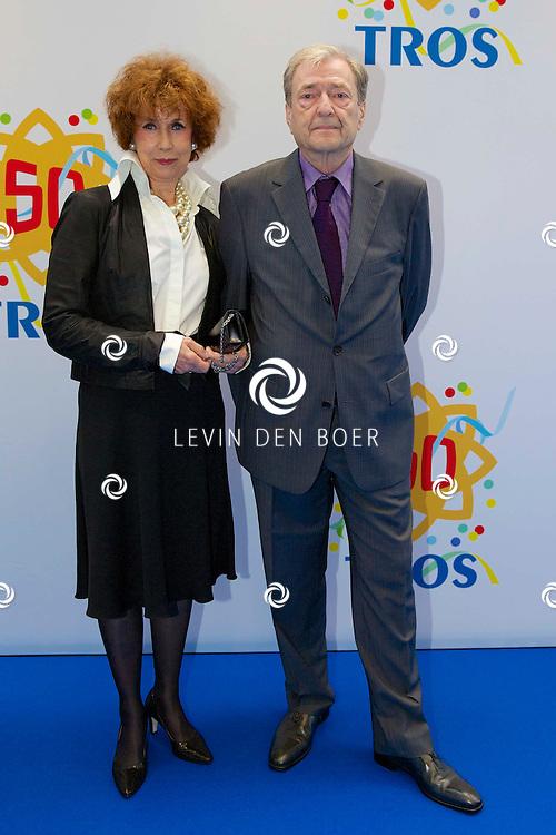 AMSTERDAM - 50 Jaar Tros is gevierd in theater Carré met heel veel bekende Nederlanders uit de Tros wereld. Met hier op de foto  Marianne Bierenbroodspot met haar partner. FOTO LEVIN DEN BOER - PERSFOTO.NU