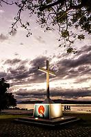Cruz na Ponta do Sambaqui, no distrito de Santo Antonio de Lisboa. Florianópolis, Santa Catarina, Brasil. / Cross at Ponta do Sambaqui, at Santo Antonio de Lisboa district. Florianopolis, Santa Catarina, Brazil.