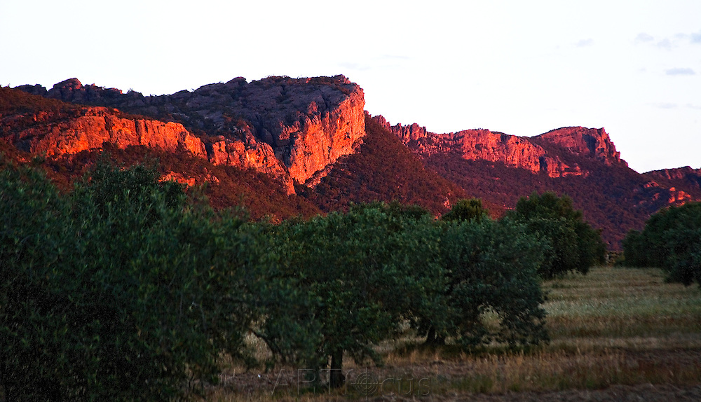 escarpment at sunset at Wartook Valley in the Grampians