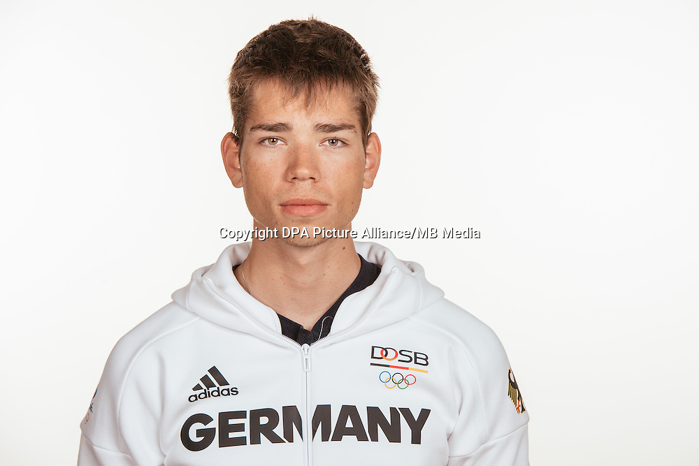 Lucas Schäfer poses at a photocall during the preparations for the Olympic Games in Rio at the Emmich Cambrai Barracks in Hanover, Germany, taken on 14/07/16 | usage worldwide