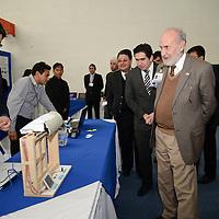 Metepec, México.- Luis Manuel de la Mora Ramírez, presidente de COPARMEX en el Estado de México y Pedro Torres Gómez, director del Instituto Tecnológico de Toluca, inauguraron la Expo Halcón 2014, en donde se presentaron 125 proyectos tecnológicos y 46 prototipos que buscan desarrollar tecnología que beneficie al sector empresarial y propicie mayor crecimiento a la entidad.  Agencia MVT / Crisanta Espinosa