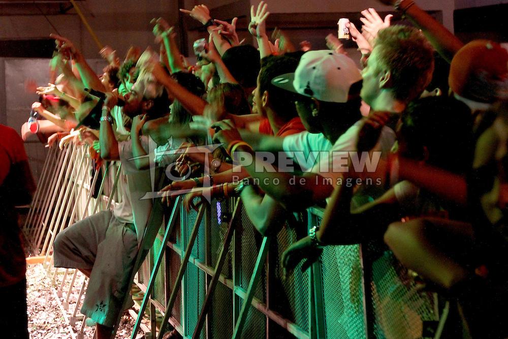 Eltin MC no palco Pretinho Convida do Planeta Atlântida 2013/RS, que acontece nos dias 15 e 16 de fevereiro na SABA, em Atlântida. FOTO: Marcos Nagelstein/Preview.com