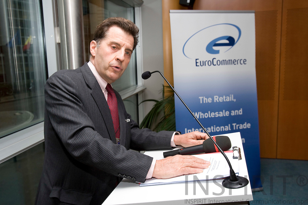 BRUSSELS - BELGIUM - 26 FEBRUARY 2008 -- Xavier DURIEU, Secretary-General EuroCommerce, speaking at the lunchmeeting arranged by EuroCommerce on the Green Paper on Urban Transport  ?Towards a new culture for urban mobility?.  Photo: Erik Luntang