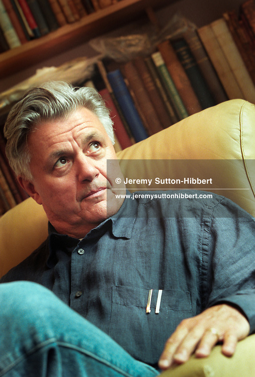 American author John Irving, in Glasgow, Scotland. 1997/98 .Rex JSU 287811