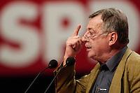 14 NOV 2005, KARLSRUHE/GERMANY:<br /> Ottmar Schreiner, MdB, SPD, und Vorsitzender der Arbeitsgemeinschaft für Arbeitnehmerfragen, AfA, waehrend seiner Rede, SPD Bundesparteitag, Messe Karlsruhe<br /> IMAGE: 20051114-01-124<br /> KEYWORDS: party congress