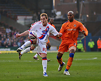 Photo: Tony Oudot/Richard Lane Photography. Crystal Palace v Reading. Coca-Cola Football League Championship. 21/03/2009. <br /> Anthony Stokes of Palace is watched by Readings Michael Duberry