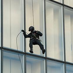 D&eacute;monstration de la Brigade de Recherche et d'Intervention de la Pr&eacute;fecture de Police de Paris &agrave; la BNF &agrave; l'occasion des 50 ans de l'unit&eacute;.<br /> Juin 2015 / Paris (75) / FRANCE<br /> Voir le reportage complet (53 photos) http://sandrachenugodefroy.photoshelter.com/gallery/2015-06-50-ans-de-la-BRI-PP/G0000VONq9dX0bH0/C0000yuz5WpdBLSQ