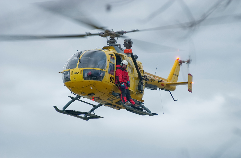Search and rescue helicopters look for missing Oxford University rower Leo Blockley