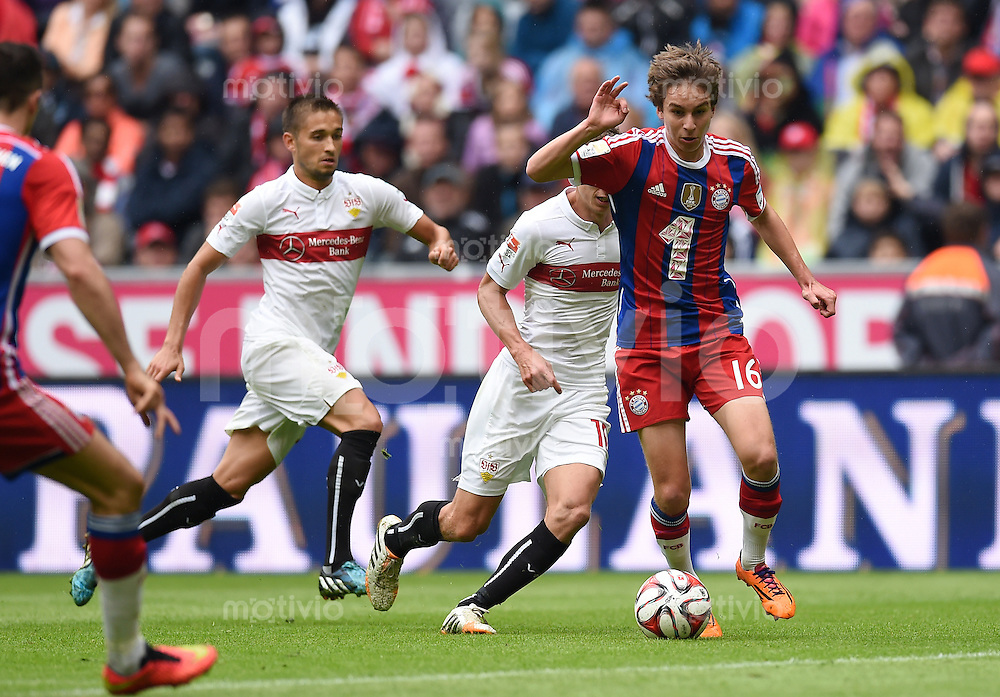 Fussball  1. Bundesliga  Saison 2014/2015   3. SPIELTAG FC Bayern Muenchen - VfB Stuttgart       13.09.2014 Gianluca Gaudino (re, FC Bayern Muenchen) am Ball