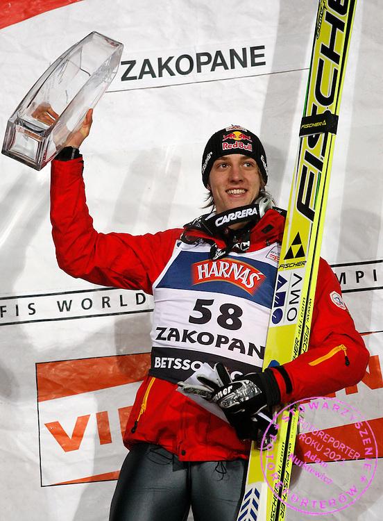 ZAKOPANE 17/01/2009.FIS WORLD CUP SKI JUMPING.GREGOR SCHLIERENZAUER OF AUSTRIA CELEBRATES ..FOT. PIOTR HAWALEJ / WROFOTO