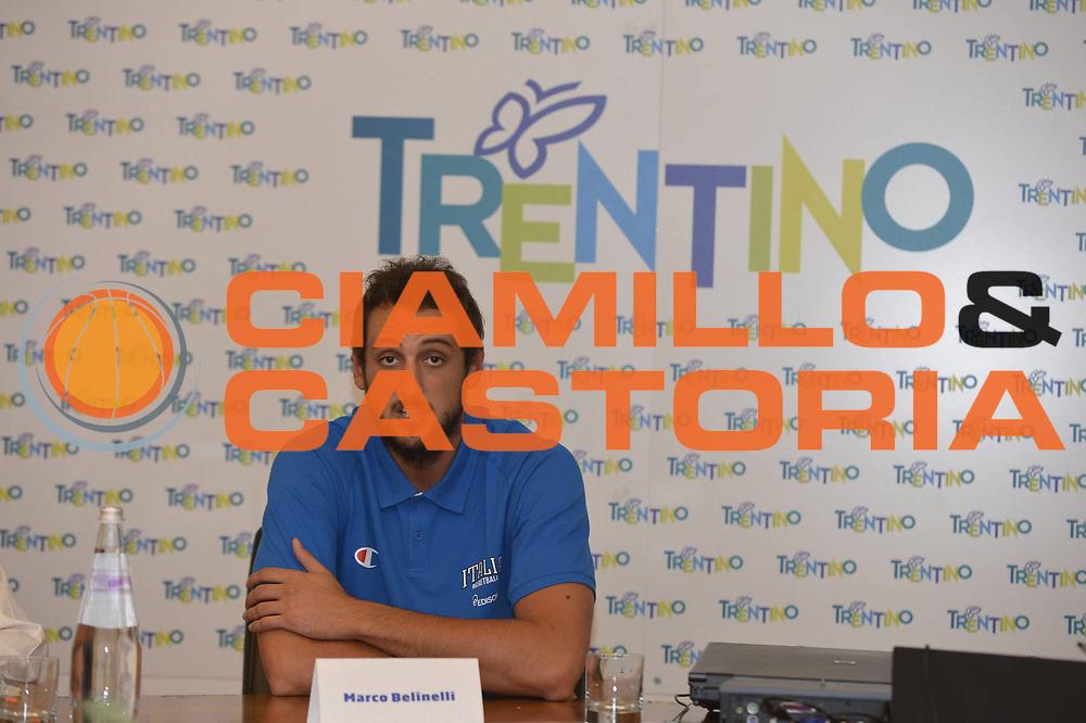 DESCRIZIONE : Folgaria Allenamento Raduno Collegiale  Nazionale Italia Maschile <br /> GIOCATORE : Marco Stefano Belinelli<br /> CATEGORIA : allenamento <br /> SQUADRA : Nazionale Italia <br /> EVENTO : Conferenza stampa presentazione Trentino Basket Cup<br /> GARA :<br /> DATA : 02/08/2013 <br />  SPORT : Pallacanestro<br />  AUTORE : Agenzia Ciamillo-Castoria/GiulioCiamillo<br />  Galleria : FIP Nazionali 2013<br />  Fotonotizia : Folgaria Allenamento Raduno Collegiale  Nazionale Italia Maschile <br />  Predefinita :