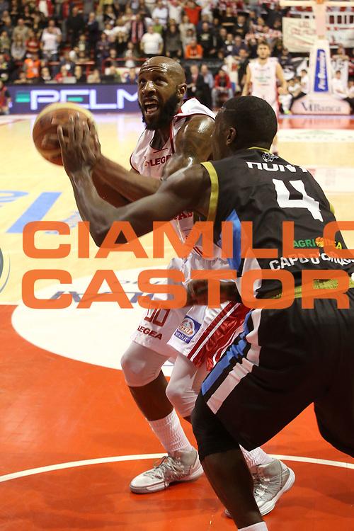 DESCRIZIONE : Campionato 2014/15 Giorgio Tesi Group Pistoia - Upea Capo d'Orlando<br /> GIOCATORE : Easley Tony <br /> CATEGORIA : Penetrazione<br /> SQUADRA : Giorgio Tesi Group Pistoia<br /> EVENTO : LegaBasket Serie A Beko 2014/2015<br /> GARA : Giorgio Tesi Group Pistoia - Upea Capo d'Orlando<br /> DATA : 25/01/2014<br /> SPORT : Pallacanestro <br /> AUTORE : Agenzia Ciamillo-Castoria / Stefano D'Errico<br /> Galleria : LegaBasket Serie A Beko 2014/2015<br /> Fotonotizia : Campionato 2014/15 Giorgio Tesi Group Pistoia - Upea Capo d'Orlando<br /> Predefinita :