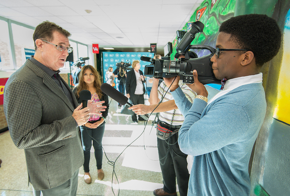 Houston ISD Superintendent Dr. Terry Grier, left, is interviewed by members of the Apollo News team at Sharpstown High School, January 15, 2016.