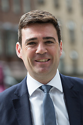 © Licensed to London News Pictures. 01/09/2015. London, UK. Andy Burnham arrives at Channel 4 studios in London today for a Labour leadership debate. Photo credit : Vickie Flores/LNP