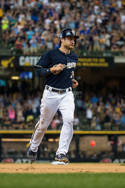 MILWAUKEE, WI- JUNE 28: Jonathan Lucroy #20 of the Milwaukee Brewers runs against the Minnesota Twins on June 28, 2015 at Miller Park in Milwaukee, Wisconsin. The Brewers defeated the Twins 5-3. (Photo by Brace Hemmelgarn) *** Local Caption *** Jonathan Lucroy