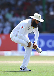 July 22, 2018 - Sri Lanka - Hashim Amla cricketer of South Africa doing exercise during the third day of the 2nd Test match between Sri Lanka and South Africa at the Sinhalese Sports Club (SSC) international cricket stadium in Colombo,Sri Lanka  on July 22, 2018. (Credit Image: © Pradeep Dambarage/Pacific Press via ZUMA Wire)