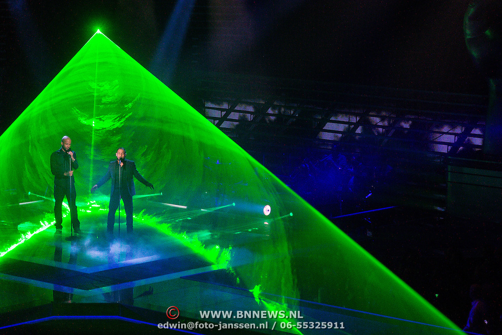 NLD/Hilversum/20131220 - Finale The Voice of Holland 2013, Mitchell Brunings en Mr. Probz
