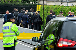 © London News Pictures. 22/04/2016. London, UK. Members of the secret service arrive at the ambassadors residence. Heightened security surrounding the residence of the US Ambassador to the United Kingdom in Regents Park, London, where the President of the United States Barak Obama is staying during his visit to the UK. Photo credit: Ben Cawthra/LNP