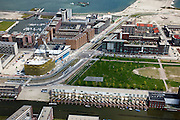 Nederland, Amsterdam, IJburg, 25-05-2010. Haveneiland, detail met Theo Van Goghpark, Pampuslaan en kleine jachthaven. Harbour Island, details. Theo Van Gogh Park, small marina..luchtfoto (toeslag), aerial photo (additional fee required).foto/photo Siebe Swart