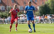 Jonas Jakobsen (Skovshoved IF) og Anders Holst (FC Helsingør) under kampen i 2. Division mellem Skovshoved IF og FC Helsingør den 3. august 2019 i Skovshoved Idrætspark (Foto: Claus Birch)