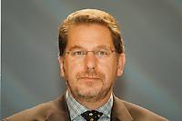 31 JAN 1998, GERMANY/DORTMUND:<br /> Franz Josef Kniola, SPD, Innenminister Nordrhein-Westfalen, auf dem Landesparteitag der SPD NRW<br /> IMAGE: 19980131-01/04-29
