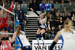 20180303 NED: Eredivisie Sliedrecht Sport - VC Sneek, Sliedrecht <br />Esther Hullegie (3) of Sliedrecht Sport <br />&copy;2018-FotoHoogendoorn.nl / Pim Waslander