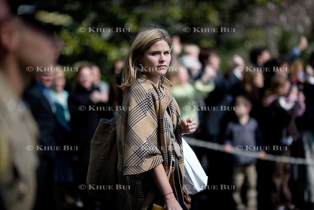 Jenna Bush, daughter of President Bush, walks toward Marine One Thursday, March 20, 2008, in Washington, DC...Photo by Khue Bui