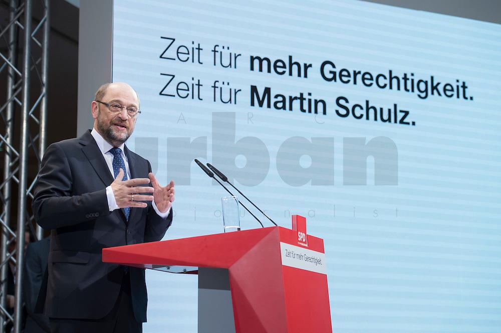 29 JAN 2016, BERLIN/GERMANY:<br /> Martin Schulz, SPD, Kanzlerkandidat, haelt seine Vorstellungsrede, Vorstellung von Schulz als Kanzlerkandidat der SPD zur Bundestagswahl, nach der Nominierung durch den SPD-Parteivorstand, Willy-Brandt-Haus<br /> IMAGE: 20170129-01-053
