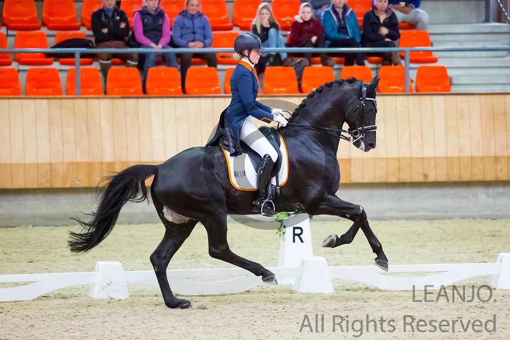 Carlijn Huberts - Cupido<br /> KNHS Indoorkampioenschappen 2019<br /> © DigiShots