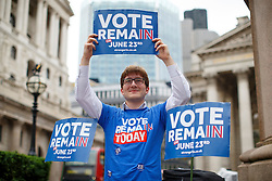 © Licensed to London News Pictures. 23/06/2016. London, UK. A 'Britain Stronger In Europe' activist campaigning outside Bank of England on the polling day of the EU referendum, 23 June 2016 in central London. Photo credit: Tolga Akmen/LNP
