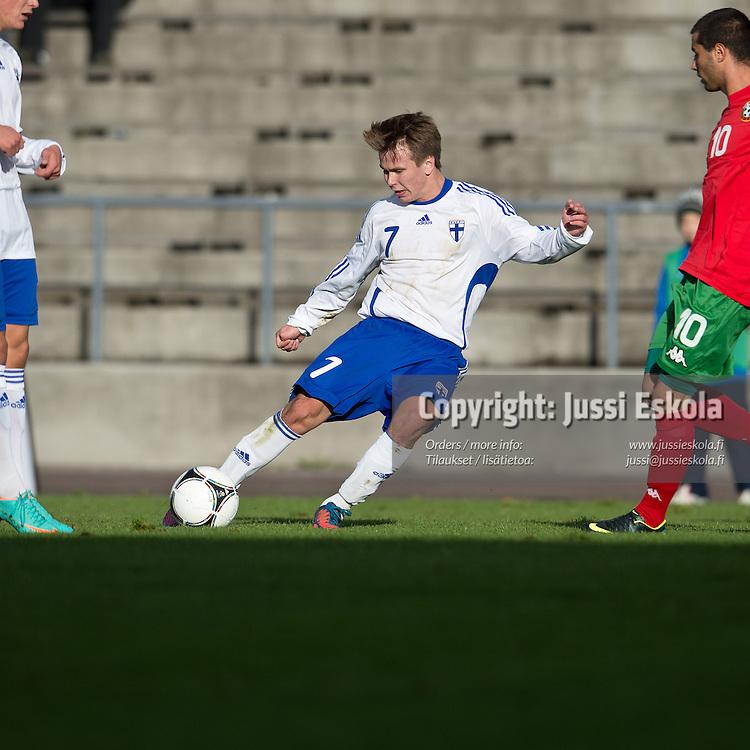 Matias Ojala. Suomi - Bulgaria. Alle 19-vuotiaiden maaottelu. U19. S. 1994-. Helsinki 14.10.2012. Photo: Jussi Eskola