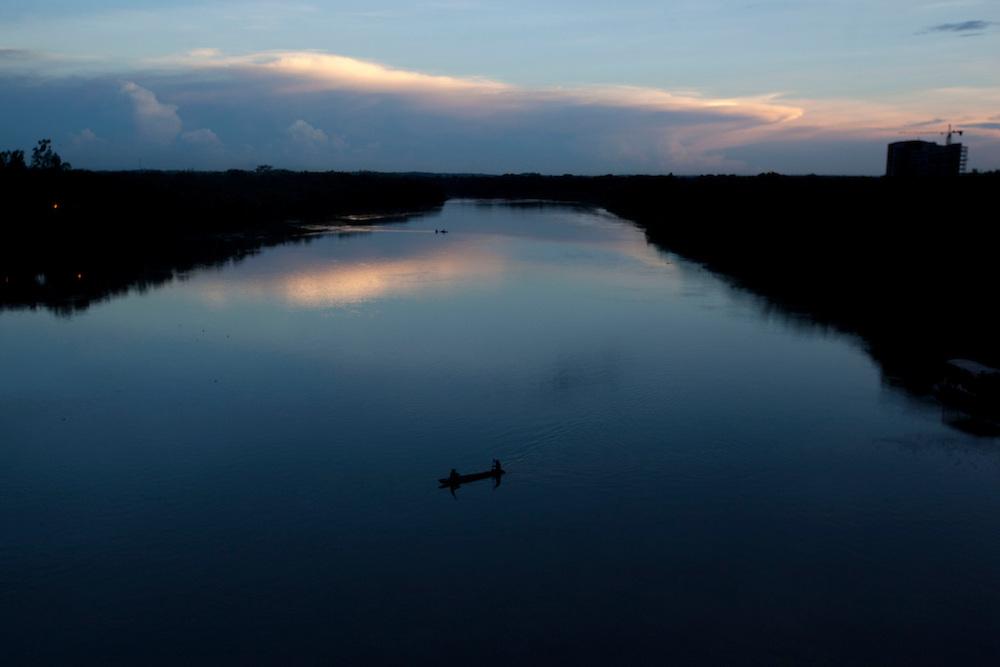 Cuiaba_MT, Brasil...Imagem aerea do Rio Cuiaba tendo com detalhe a Ponte Estaiada, Cuiaba, Mato Grosso...Aerial view of Cuiaba river and Estaiada bridge, Cuiaba, Mato Grosso...Foto: LEO DRUMOND / NITRO