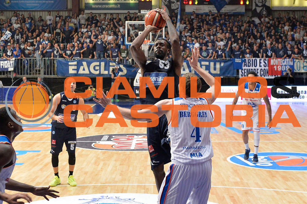 DESCRIZIONE : Cantu, Lega A 2015-16 Acqua Vitasnella Cantu'  Manital Auxilium Torino<br /> GIOCATORE : Ndudi Ebi<br /> CATEGORIA : Tiro<br /> SQUADRA : Manital Auxilium Torino<br /> EVENTO : Campionato Lega A 2015-2016<br /> GARA : Acqua Vitasnella Cantu'  Manital Auxilium Torino<br /> DATA : 24/10/2015<br /> SPORT : Pallacanestro <br /> AUTORE : Agenzia Ciamillo-Castoria/I.Mancini<br /> Galleria : Lega Basket A 2015-2016 <br /> Fotonotizia : Cantu'  Lega A 2015-16 Acqua Vitasnella Cantu' Manital Auxilium Torino<br /> Predefinita :