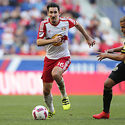 HARRISON, NEW JERSEY- OCTOBER 16:  Sacha Kljestan #16 of New York Red Bulls in action during the New York Red Bulls Vs Columbus Crew SC MLS regular season match at Red Bull Arena, on October 16, 2016 in Harrison, New Jersey. (Photo by Tim Clayton/Corbis via Getty Images)