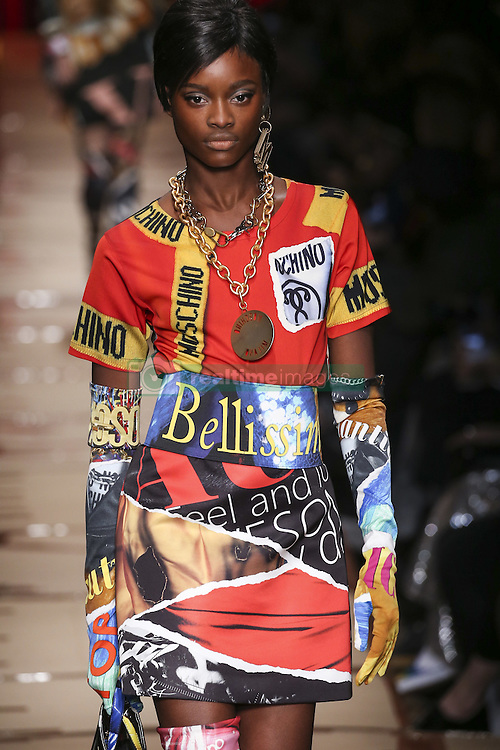 February 23, 2017 - Milan, ITALY - Moschino.MODEL ON CATWALK WOMAN, MILAN MILANO FASHION WEEK 2017 WOMEN READY TO WEAR FOR FALL WINTER, DEFILE, FASHION SHOW RUNWAY COLLECTION, PRET A PORTER, MODELWEAR, MODESCHAU LAUFSTEG AUTUMN HERBST .MILFW17 (Credit Image: © PPS via ZUMA Wire)